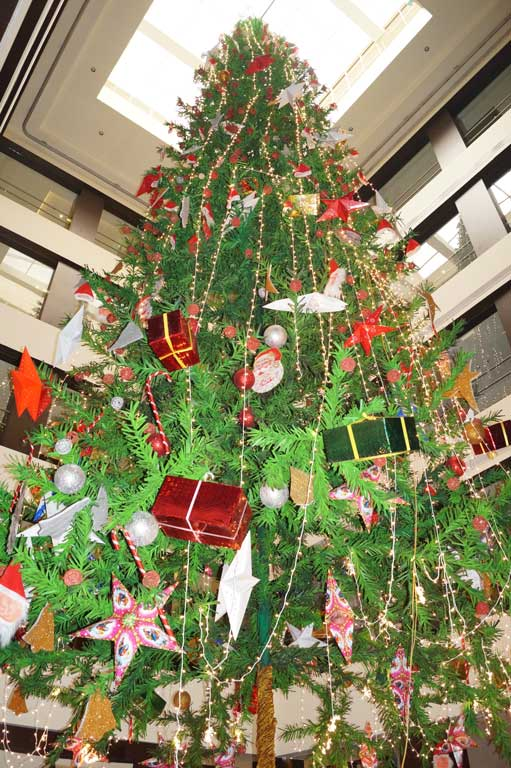 Christmas Tree In India.Dream Flower Events Tallest Artificial Christmas Tree In